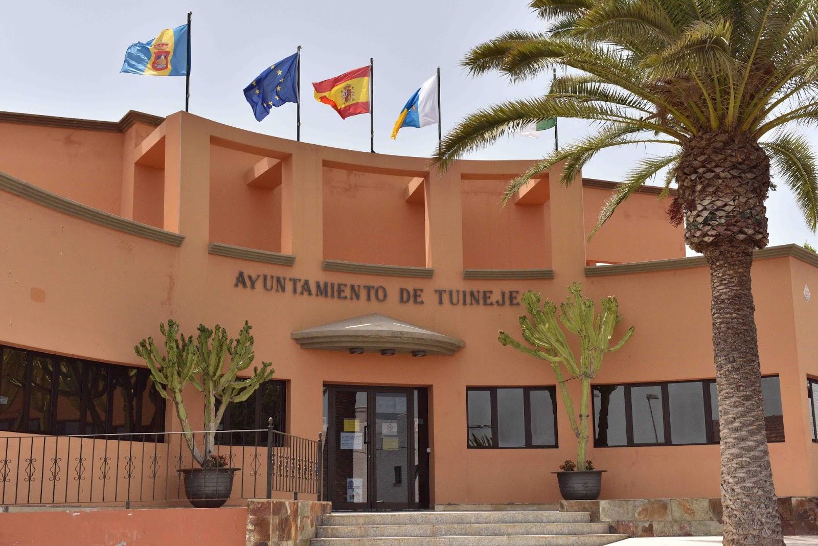 Oficina de turismo del ayuntamiento de tuineje obtiene el for Oficinas del ayuntamiento