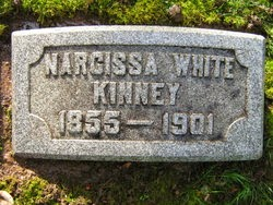 Narcissa Kinney gravestone of Gearhart, Oregon