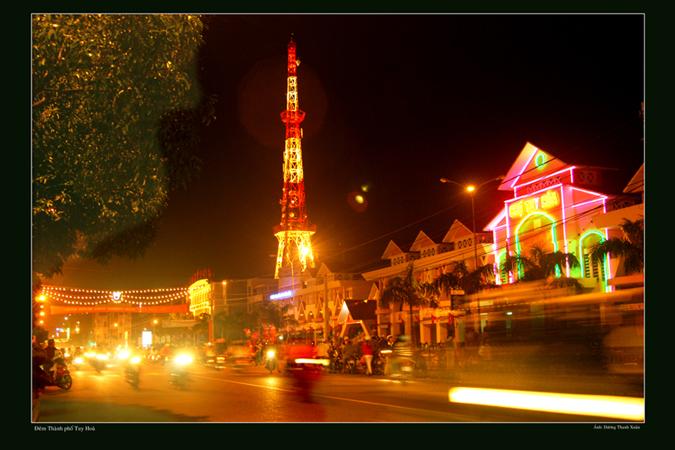 Dịch vụ cho thuê xe hợp đồng và du lịch tại Phú Yên - Chợ TP. Tuy Hòa về đêm