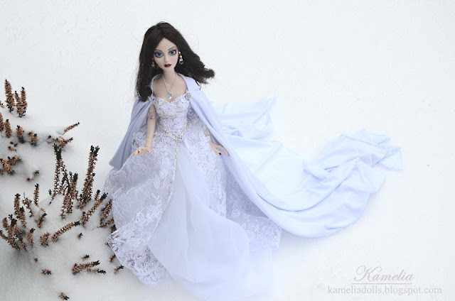Snow Quenn long white dress