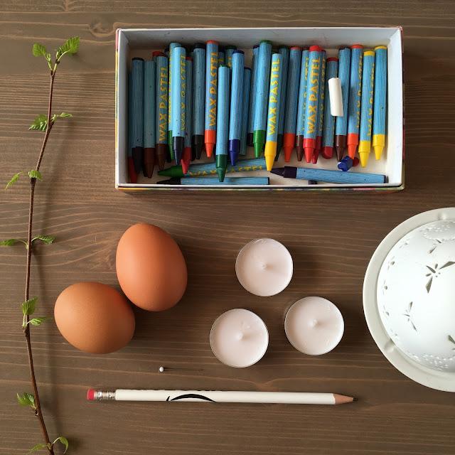 návod na zdobení vajíček voskem