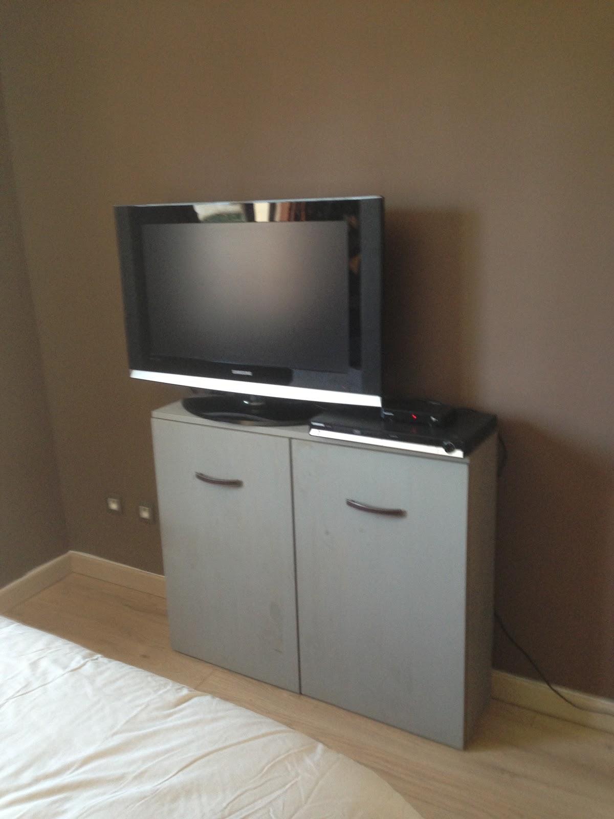 dominante bois cr ation meuble tv linge sale. Black Bedroom Furniture Sets. Home Design Ideas