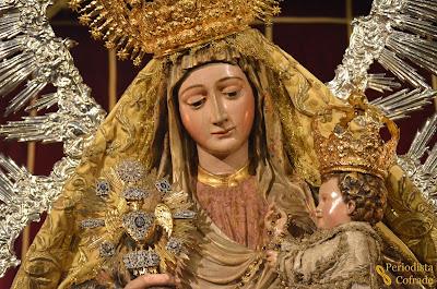 Resultado de imagen de salida procesional de la Virgen del Amparo magdalena SEVILLA