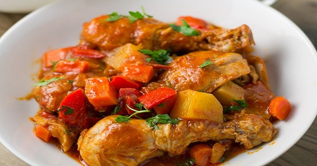 Chicken Afritada (Chicken Braised In Tomato Sauce) Recipe