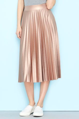 I have this thing with pleated midi skirts........... | A Stylish ...