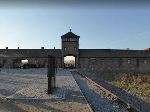 l'ingresso del campo di Birkenau