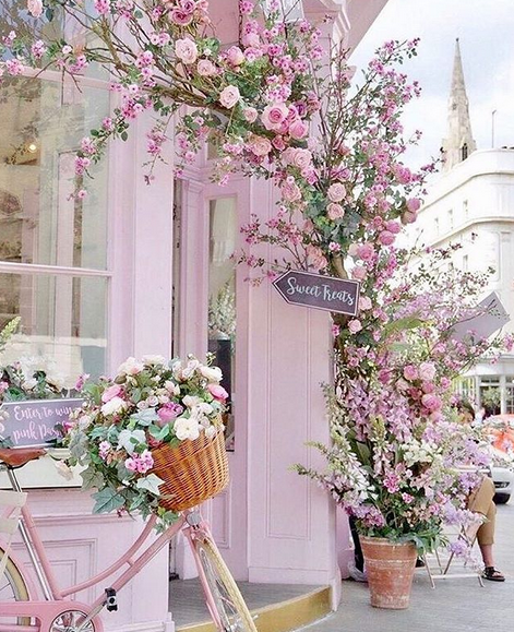https://www.lush-fab-glam.com/2018/03/pretty-in-pink-dream-destination-london.html