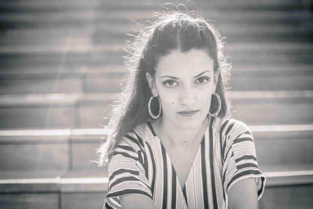 Par ses mix audacieux, Supamoon nous entraîne entre hip-hop, musiques du monde et pop, le tout sous le charme léger de Claudia