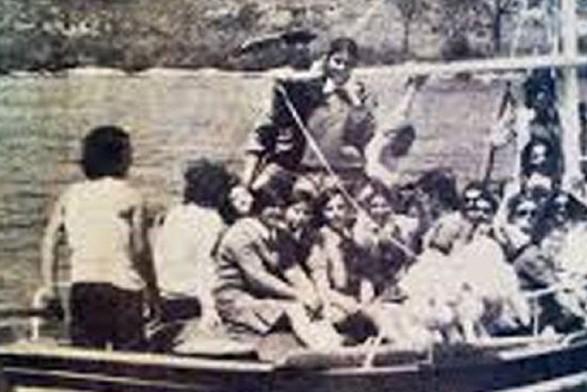 44 χρόνια από τον τραγικό πνιγμό 21 μαθητριών στην Κρήτη... Η τραγωδία που συγκλόνισε την Ελλάδα! (Εικόνες)