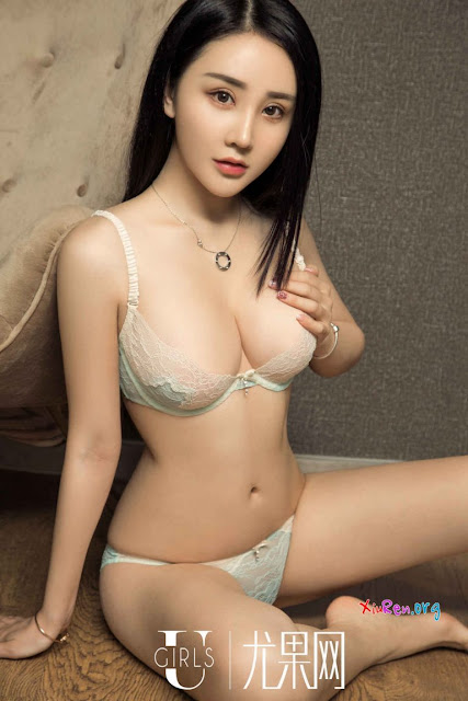 Hot girls Sexy model made hot with sexy bra