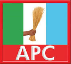 2000 APC Members Defects To PDP In Benue State