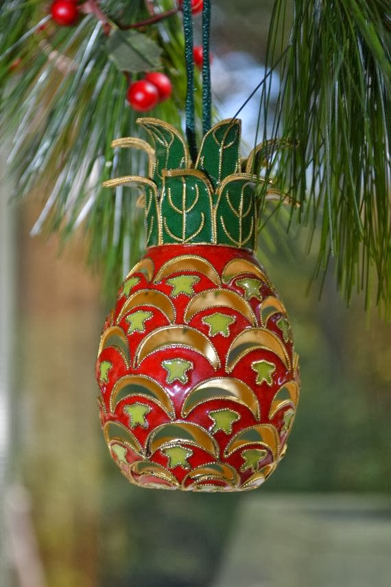 Chinoiserie Chic Pineapples At Christmas