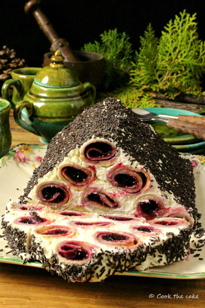 cusma-lui-guguta, woodpile-cake, logs-under-the-snow-cake moldovan-dessert
