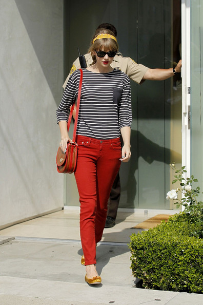 Celebrityfashionlookforless Taylor Swift S Casual Red Pants