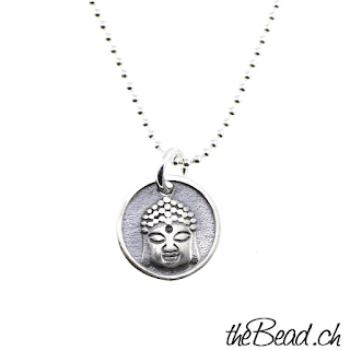 https://www.thebead.ch/product_info.php?info=p2342_silberhalskette-buddha--halskette-mit-stern-anhaenger.html