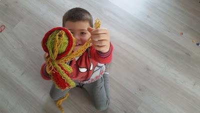Kaip megzti pirštais?