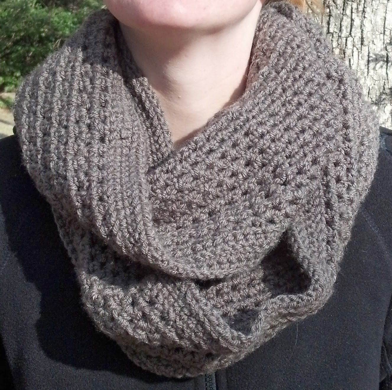 This cozy infinity scarf is really easy to make and has a