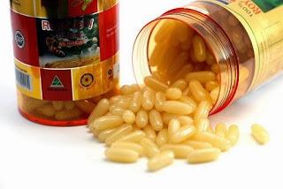 sữa ong chúa dạng viên nang từ Trung Quốc gắn nhãn mác Mỹ, Úc