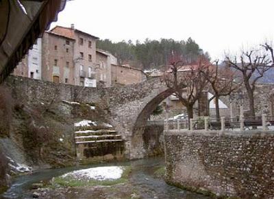 El Pont Vell en La Pobla de Lillet