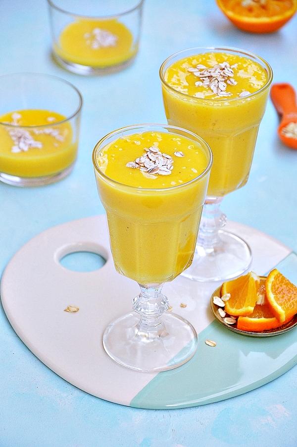Koktajl z mango z bananem i pomarańczą