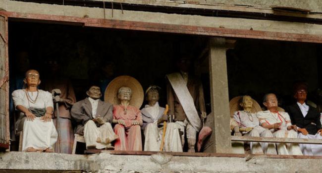 Tana Toraja, Negeri Mayat Hidup