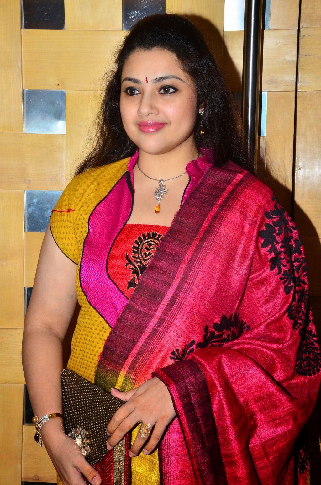 Tamil actress meena divorce