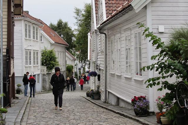 Noorwegen Stavanger witte huizen in oude stad