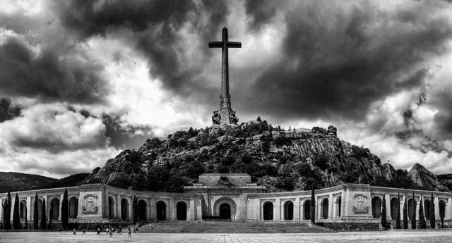 Los monjes del Valle de los Caídos han recibido 1,7 millones de euros en subvenciones