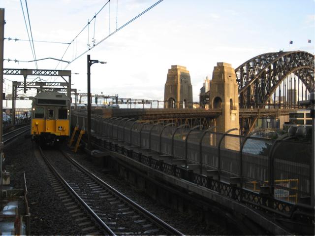 Sydney public train transport | www.wanderfulexperience.info