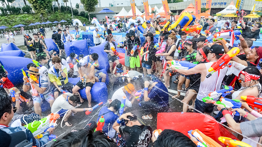 Waterbomb Seoul 2018 : Water Fight Festival with K-pop Music Concert