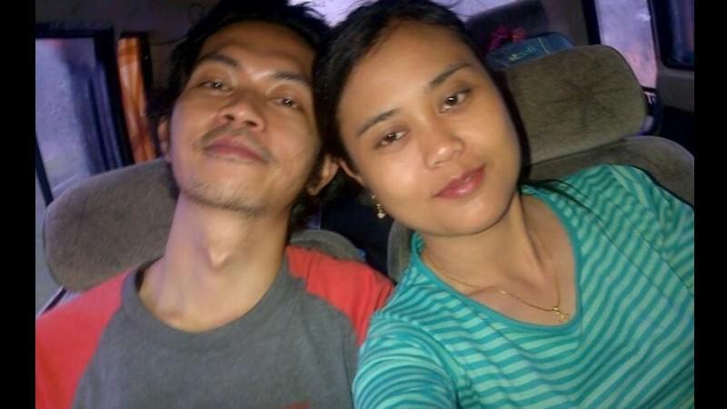 Fidelis Arie Sudewarto dan istrinya, Yeni Riawati, semasa hidupnya