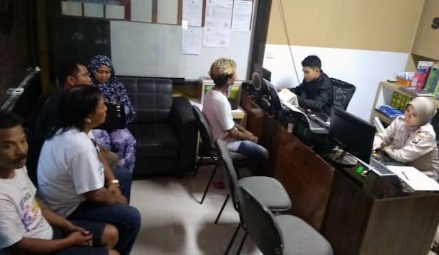 Keluarga korban melapor ke Polres Lumajang