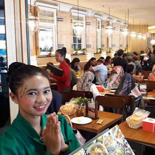 Lowongan Kerja Waiter Waitress & Crew Kitchen di Kafe Betawi Panakkukang Makassar