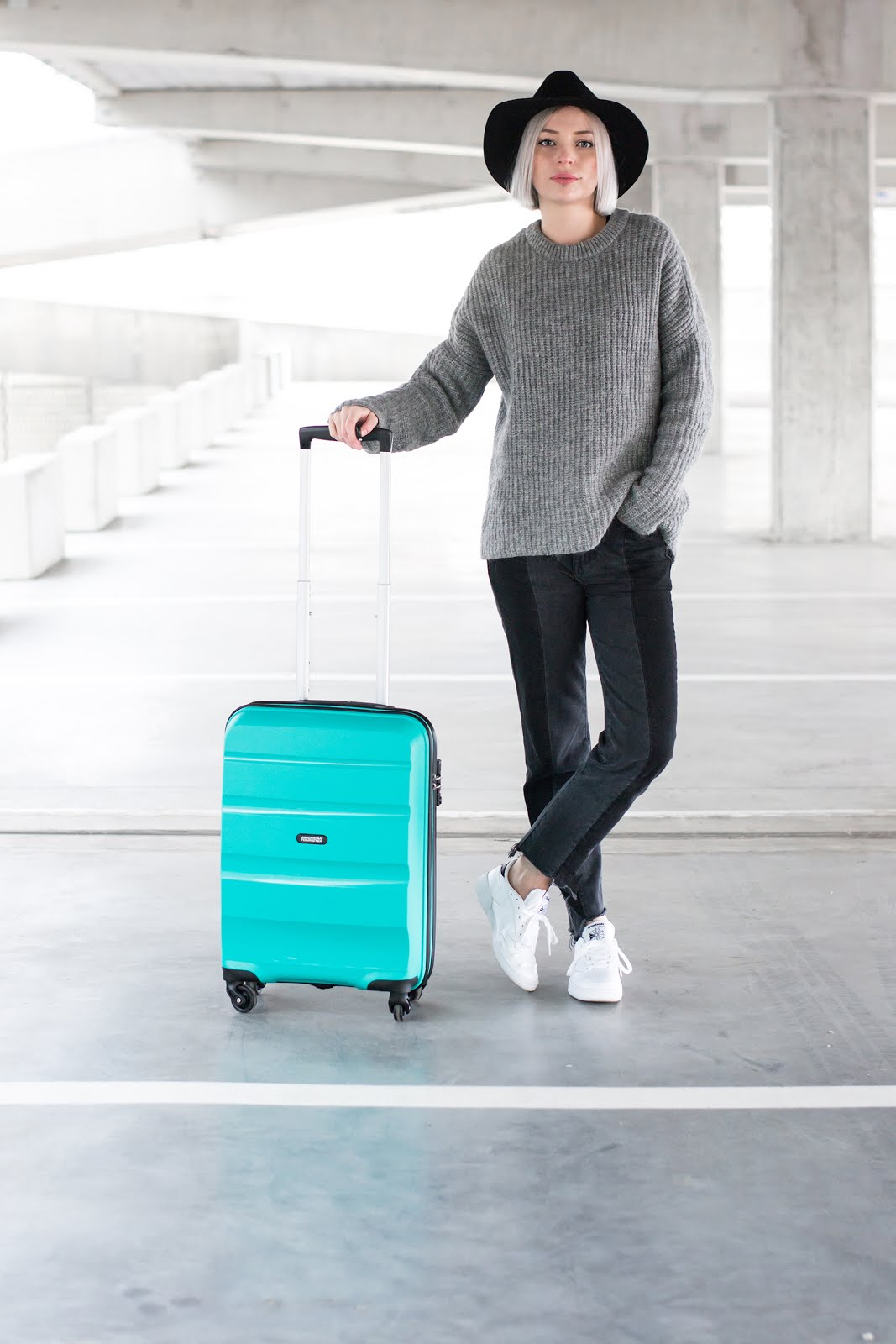 american tourister bon air medium, emerald green, mint green, large, suitcase, trolley, cabin case, editorial, meandmyat, reebok club