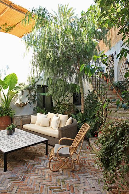 Jean Louis Deniot Design terrace in Capri via belle vivir blog