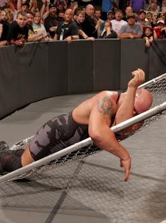WWE Raw 04.09.2017 مُترجم