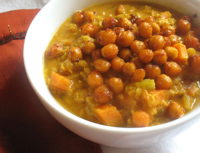 curried lentils with roasted chickpeas