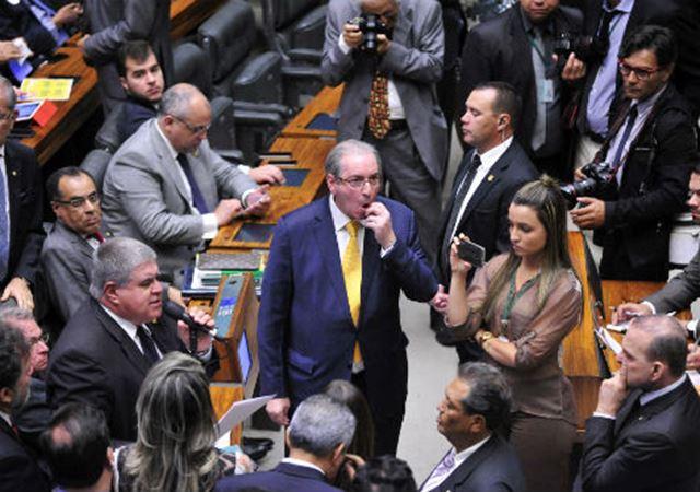 Sem foro privilegiado, a expectativa era de que Cunha não escaparia das mãos da Justiça, que se autoproclama a salvadora da pátria nestes tempos estranhos em que vivemos