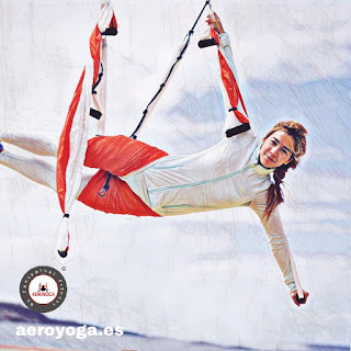 CLASES Y CURSOS AeroYoga ®, Formación  Oficial Profesores Yoga Aéreo