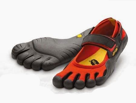 """Diseño creativo de sandalias o """"chanclas"""""""