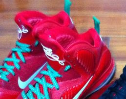 """57ba844cf112 THE SNEAKER ADDICT  Nike Lebron 9 """"Christmas Day"""" Sneaker (First Look)"""