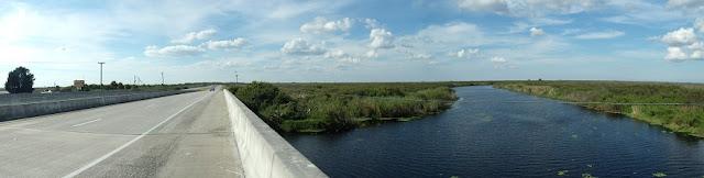Vista panorámica de la US 192 y el río de San Juan