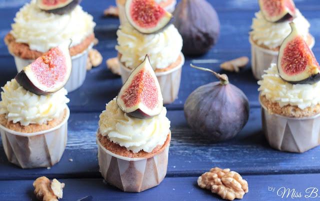 Feigen-Walnuss-Cupcakes mit Honig-Mascarpone-Frosting