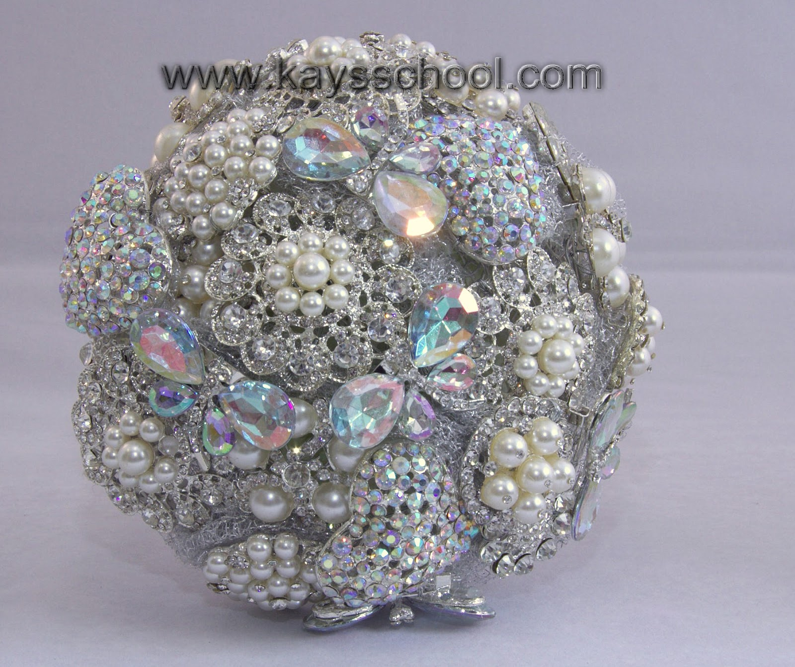 On Top Of The Tuition For Making A Standard Posie Round Shape Brooch Bouquets We Can Also Send You More Advanced Step By How To Make