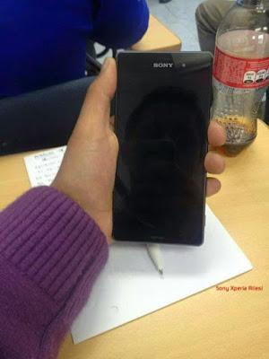 Foto-Foto Berikut Ini Berikan Konfirmasi Spesifikasi Xperia Z3