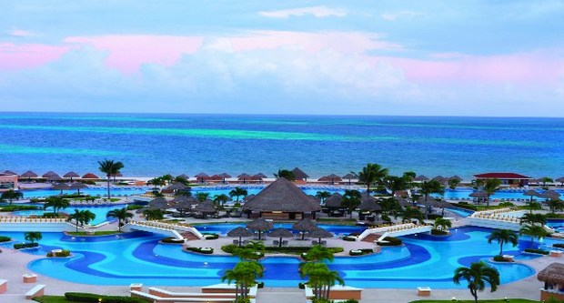 10 Of The Most Wheelchair Accessible Beaches In The World - Cancun, Mexico
