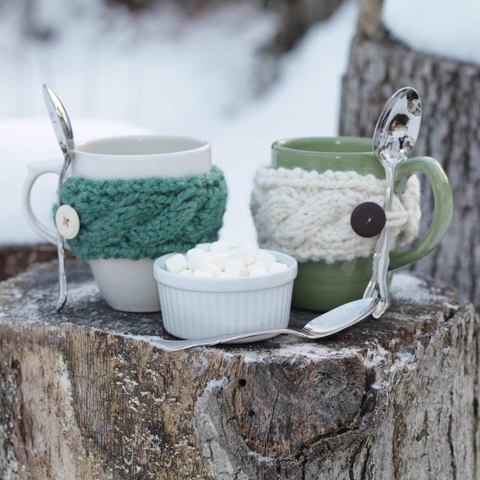 LOOM KNIT CABLE MUG COZY | Loom Knitting by This Moment is Good!