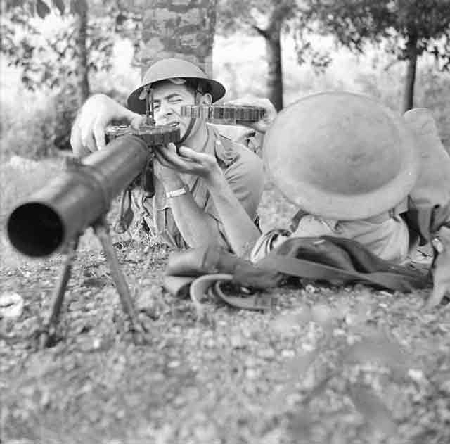 Lewis Gun of the Singapore Volunteer Force, November 1941 worldwartwo.filminspector.com