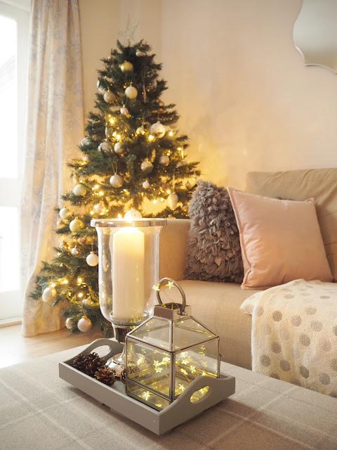 Christmas decor home tour featuring neutral interior design