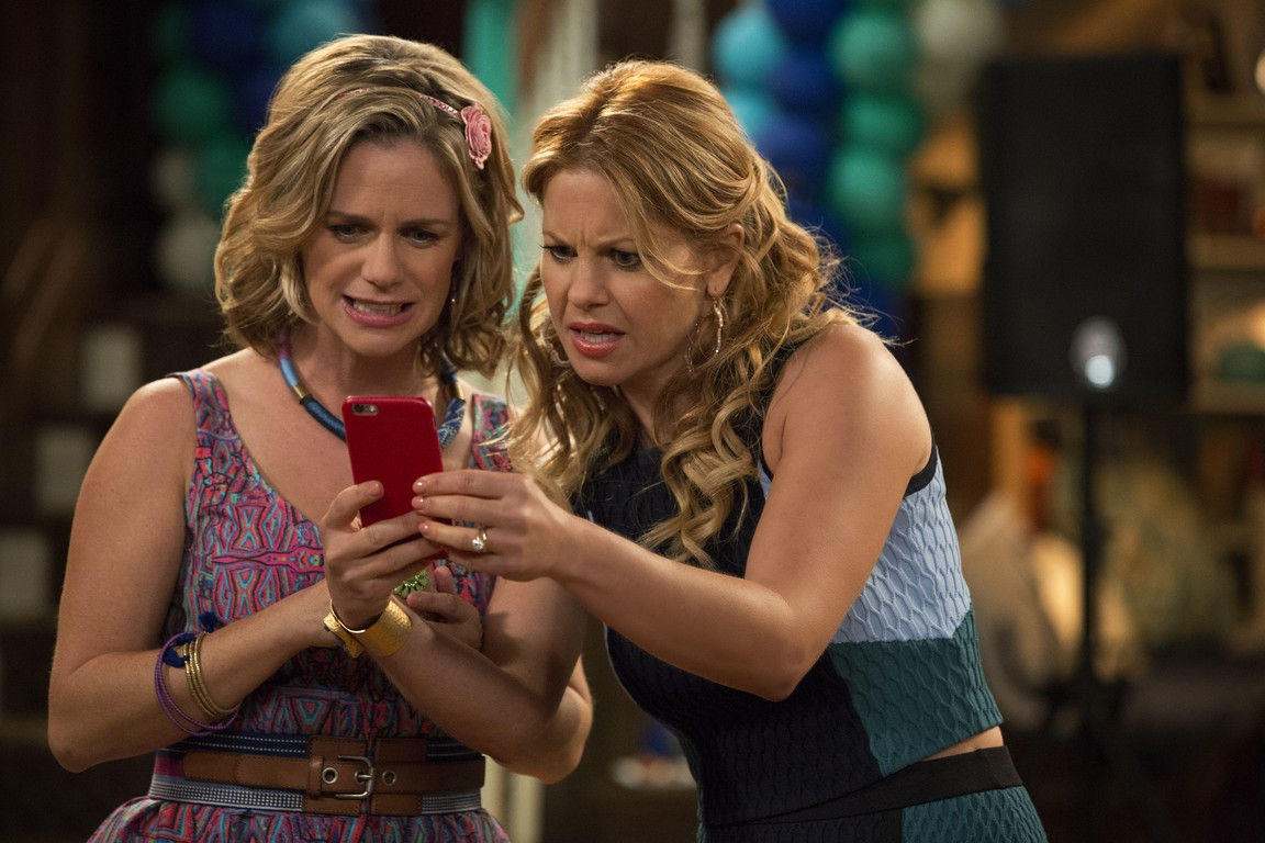 Fuller House - Season 1 Episode 01: Our Very First Show, Again
